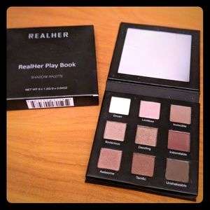 """[New!] Realher """"Do your squats"""" eyeshadow palette!"""